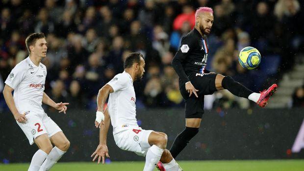 Neymar hanya menciptakan satu assist saat PSG membantai Montpellier. (