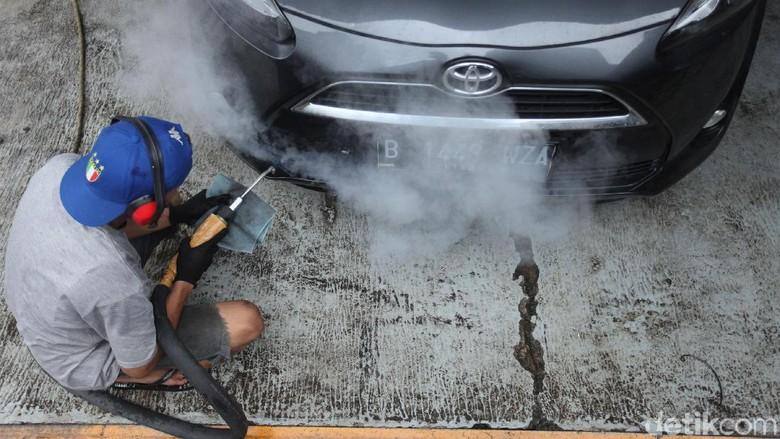 Cuci mobil sauna di Studio Detail, Jakarta