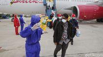 Foto Proses Evakuasi WNI dari Wuhan Menuju Observasi di Natuna