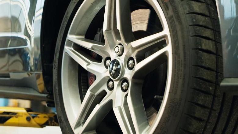 Mur Khusus untuk Pelek Mobil Ford biar Tak Dicuri