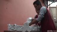 Keren, Warga Banyuwangi Ini Sulap Sampah Popok Bayi Jadi Produk Ekonomis