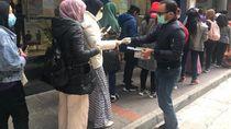 Cegah Virus Corona, BNI Hongkong Bagi-bagi Masker untuk WNI