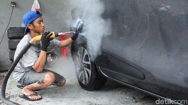 Cuci Mobil Sauna, Lebih Hemat Air dan Go Green