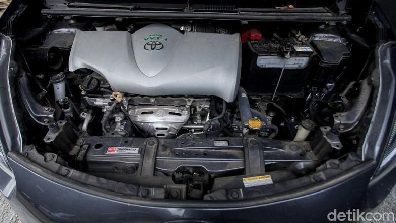 Cuci mobil dengan tenaga uap memberikan kebersihan yang berbeda. Dengan pressure air yang tinggi kotoran yang menempel pada bodi hilang seketika.