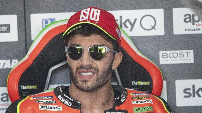 ALCANIZ, SPAIN - SEPTEMBER 20: Andrea Iannone of Italy and Aprilia Racing Team Gresini looks on in box during the MotoGp of Aragon - Free Practice on September 20, 2019 in Alcaniz, Spain. (Photo by Mirco Lazzari gp/Getty Images)