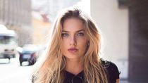 Ini Alica Schmidt, Atlet Terseksi di Dunia Tolak Berpose di Majalah Playboy