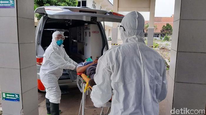 RS Margono Soekarjo Purwokerto mengantisipasi penyebaran virus Corona di wilayah Banyumas. Mereka menggelar simulasi penanganan pasien infeksi virus corona.