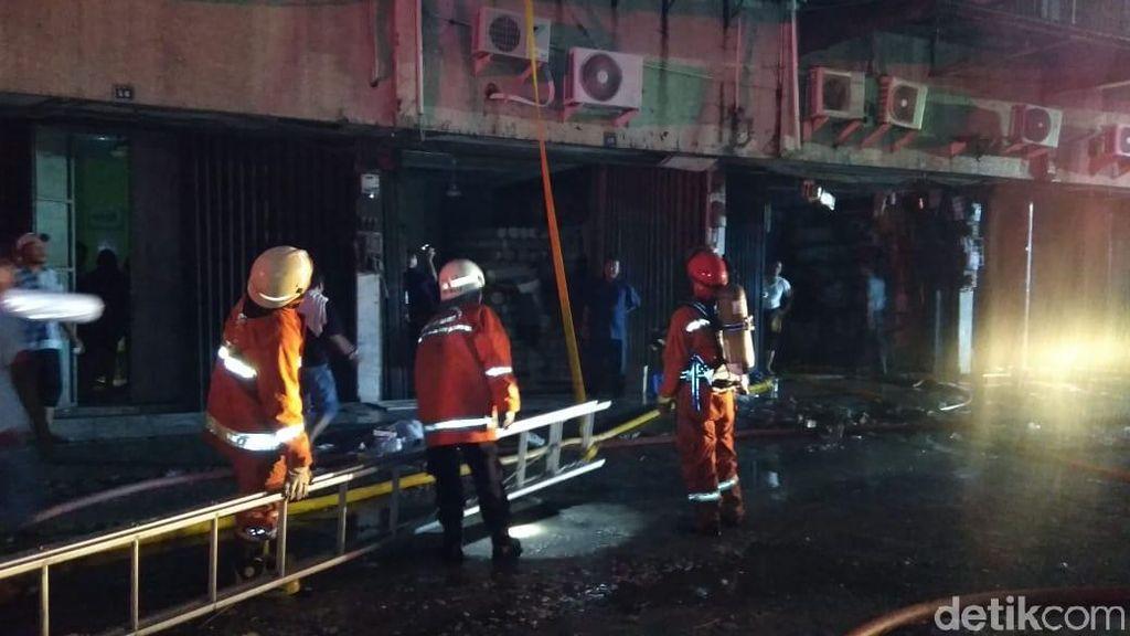 Api di Ruko Tekstil Tanah Abang Belum Padam, 12 Unit Damkar Dikerahkan