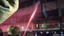 Damkar Kesulitan Sumber Air, Api di Ruko Tekstil Tanah Abang Belum Padam