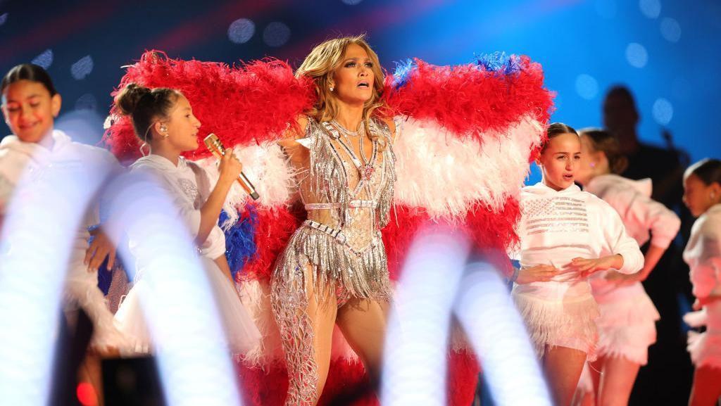 Rahasia J-Lo Tampil Seksi dan Awet Muda di Super Bowl 2020