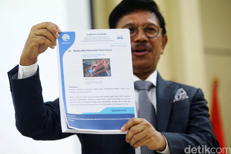 Kominfo Johnny G Plate peringatkan masyarakat terkait hoax penyebaran virus corona. Sebanyak 54 kasus sudah dilaporkan.