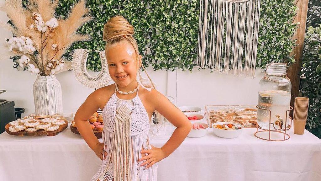 Emak-emak Viral karena Bikin Pesta Ultah Anak Bertema Coachela Low Budget