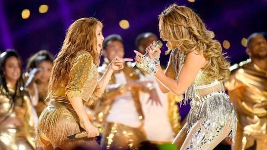 Shakira & J-Lo Sepanggung di Super Bowl 2020, Tahu Kan Jadinya Gimana?