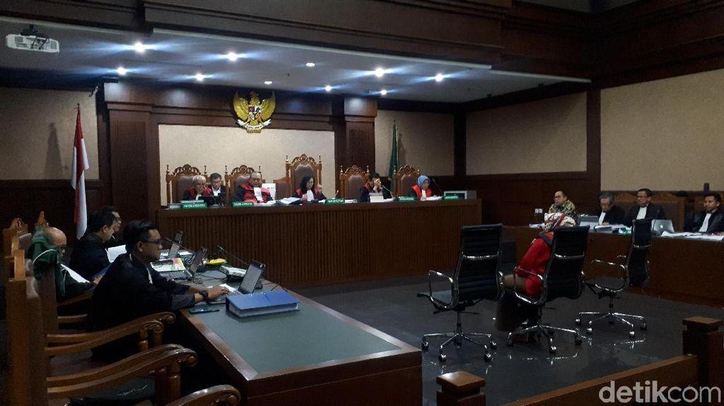 Saksi Cerita Atur Harga Barang Alkes di Sidang Wawan