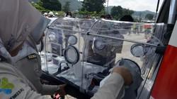 Penampakan Kapsul Isolasi yang Dipakai untuk Evakuasi Pasien Virus Corona