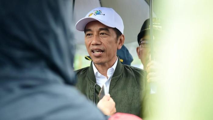 Presiden Jokowi di Kecamatan Sukajaya, Bogor.