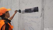 Disdik DKI Akan Cek Pelajar yang Viral Coret Underpass Tanah Abang