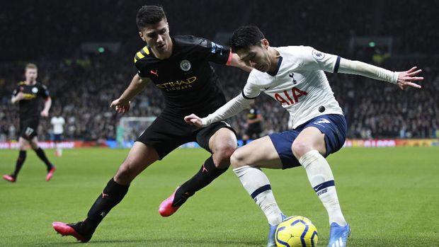 Man City kalah 0-2 dari Tottenham.
