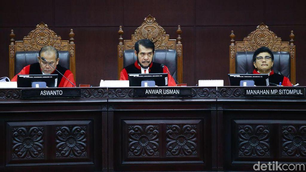 MK Nyatakan Jokowi Harus Umumkan Nasib Pandemi Paling Lambat Akhir Tahun