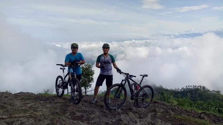 gowes di Gunung Gajah Ponorogo