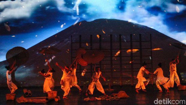 Cerita Sutradara 'Under the Volcano' Raih Pujian di Panggung Internasional