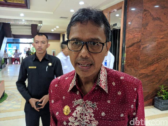 Gubernur Sumatera Barat Irwan Prayitno