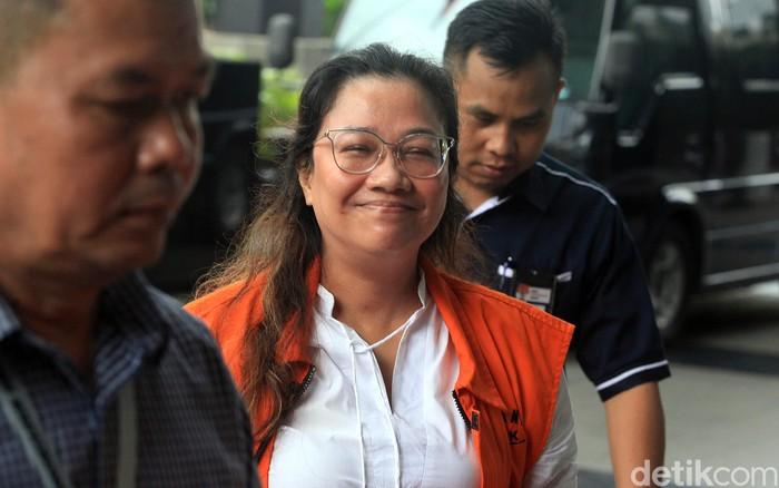 Eks anggota Bawaslu Agustiani Tio Fridelina kembali diperiksa KPK. Ia diperiksa soal kasus suap PAW yang menyeret dirinya dan eks Komisioner KPU Wahyu Setiawan.