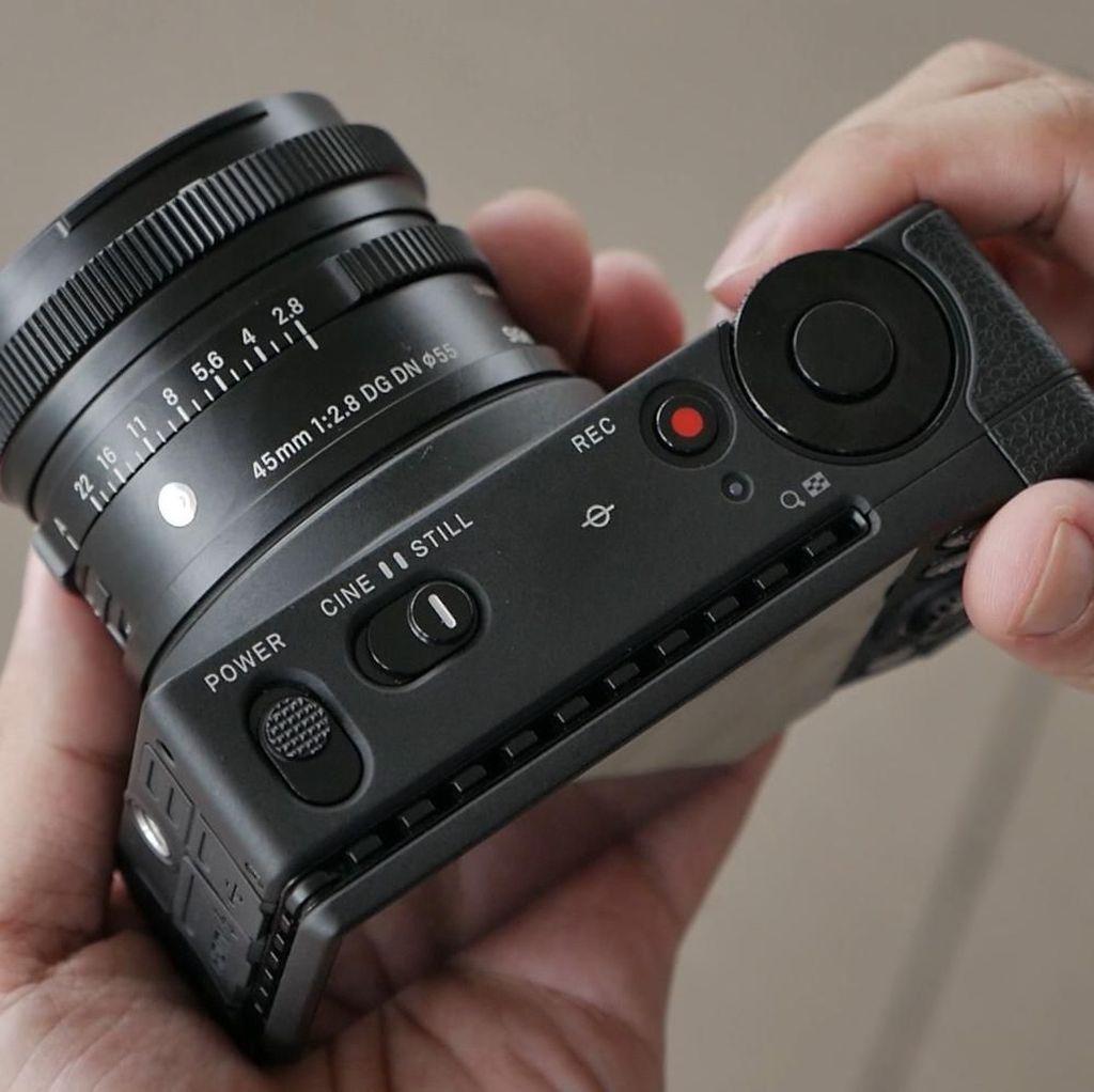 Mending Beli Kamera Jadul High-end atau Baru Tapi Mid-range?