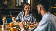 Apa Benar Tidak Makan Malam Bisa Turunkan Berat Badan? Ini Penjelasannya