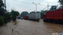 Hujan Guyur Semarang, Jalur Pantura Mangkang Terendam