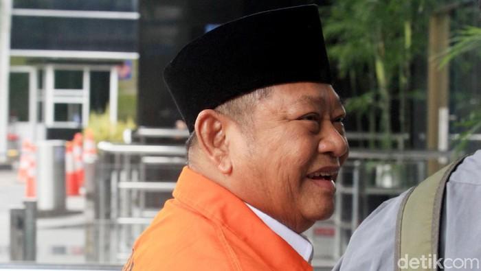 Bupati Sidoarjo nonaktif Saiful Ilah kembali diperiksa KPK. Kali ini KPK mengambil sampel suara Saiful terkait kasus korupsi yang menjeratnya.