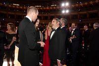 Viral, Momen Joaquin Phoenix Salah Beri Hormat ke Pangeran William