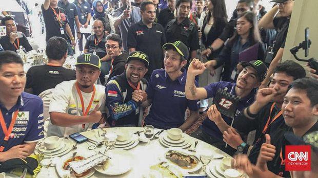 Valentino Rossi mengunjungi Jakarta untuk memberi motivasi kepada para pebalap Indonesia. (