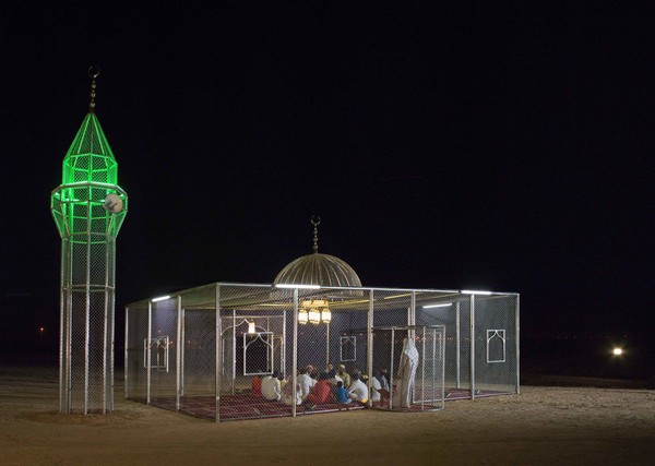 Di tahun 2018 lalu, Gharem mengatakan bahwa karya seninya ini bukan tentang agama. Namun lebih menekankan unsur realigius, bagaimana mempraktekannya dan mewakili ideologinya. Maka dia wujudkan dalam masjid yang terpagar namun transparan. (dok Ajlan Gharem)