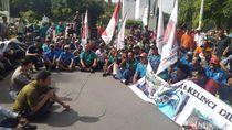 Puluhan Sopir Angkutan Umum Demo Bupati Jombang, Keluhkan Sepi Penumpang