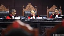 Kala MK Memuji Langkah Mahasiswa Gugat Kasus Jokowi Tak Ditilang
