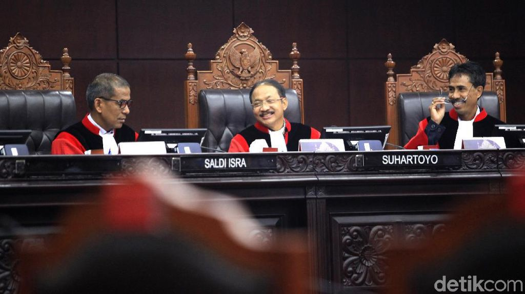 Hakim MK Nilai Pengadilan Harusnya Tetap Gelar Sidang Kasus Tilang