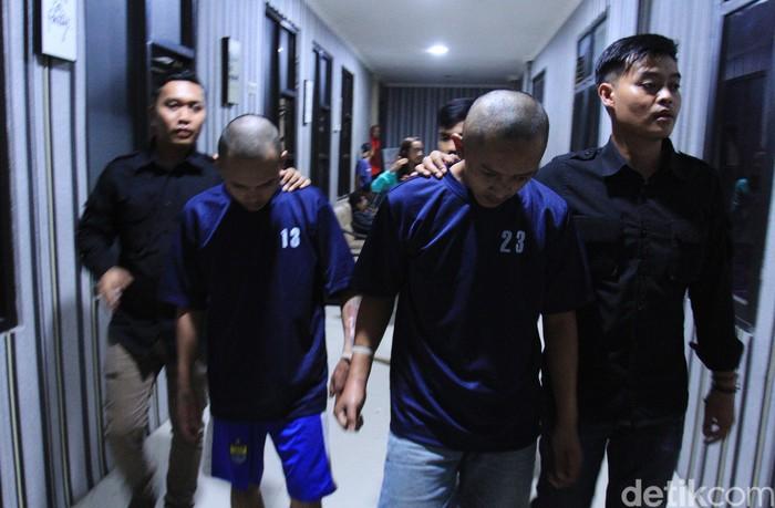 Pelaku pembunuhan Edward Silaban ditangkap Satreskrim Polresta Bandung. Begini tampangnya.