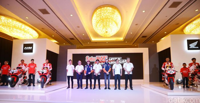 PT AHM mengumumkan 12 pebalap muda Indonesia yang akan bertanding ajang nasional maupun internasional. Mereka tergabung dalam Astra Hoda Racing School (AHRS).