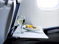 Baki Makanan di Pesawat Ternyata Paling Jorok, Ini Faktanya