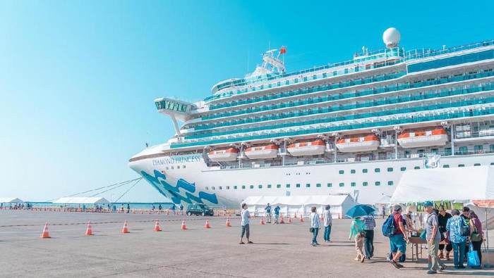 Sakata; Japan - 30 Sep 2019 : Tourist are Boarding the Diamond princess cruise in Sakata port; Japan.