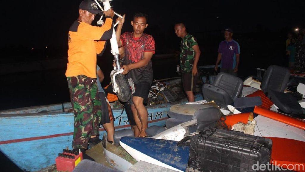 Penampakan Bagian-bagian Pesawat TNI AL yang Mendarat Darurat di Sidoarjo