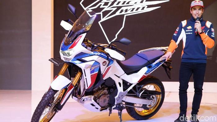 PT Astra Honda Motor (AHM) meluncurkan dua motor baru bersama pebalap MotoGP dari Repsol Honda Team, duo Marquez di Hotel Shangri-la, Jakarta Pusat, Selasa (4/3/2020). Dua motor baru Honda yang diluncurkan ini masuk ke dalam segmen big bike yakni CRF 1100L Africa Twin Adventure Sports dan Rebel.
