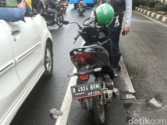 Driver ojol tewas kecelakaan/TMC Polda Metro