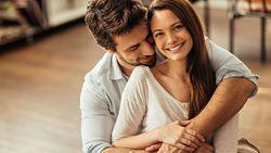 8 Hal yang Diam-diam Dilakukan Wanita Sebelum Bercinta