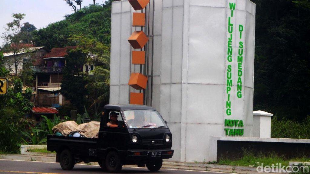Gapura Sumedang Ramai Dikritik, Begini Respons Ridwan Kamil