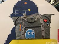 Feelin' 90s! Kipling Luncurkan Tas dan Koper Edisi Pac-Man