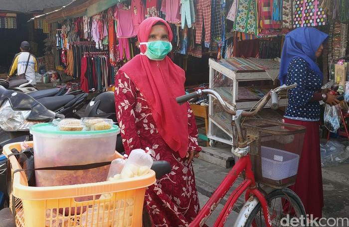 Masyarakat di Ranai, Ibu Kota Natuna, Kepulauan Riau beraktivitas seperti biasa. Mereka tidak lagi takut isu virus corona terkait adanya WNI yang dikarantina di Natuna.