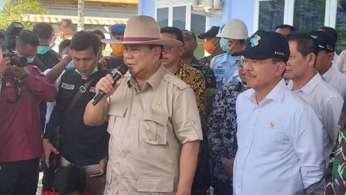 Menhan Prabowo di tempat observasi WNI dari Wuhan di Natuna/Istimewa