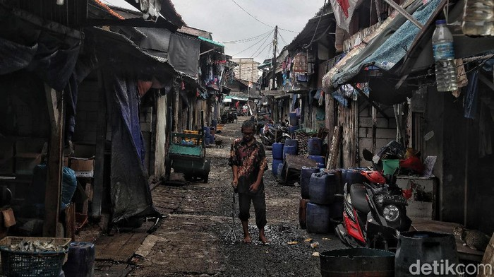 Tingkat kemiskinan Indonesia disebut mengalami penurunan yang berarti. Meski begitu bukan berarti upaya untuk mengentaskan kemiskinan telah selesai dilakukan.